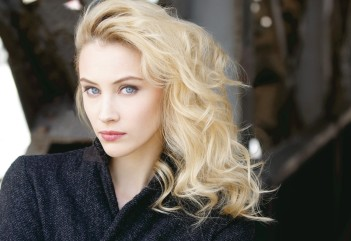 women_blonde_blue_eyes_curly_hair_face_looking_at_viewer_Sarah_Gadon_actress-63505.jpg!d
